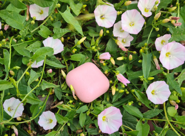 Savon solide surgras saponifié à froid Quartz rose