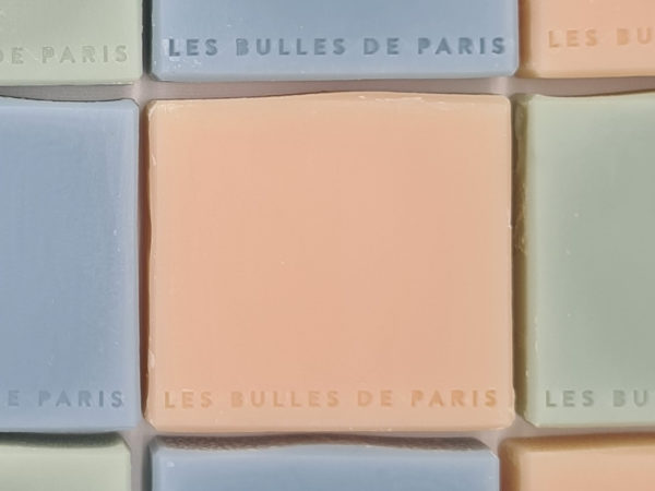 Savon rose fabrication artisanale française